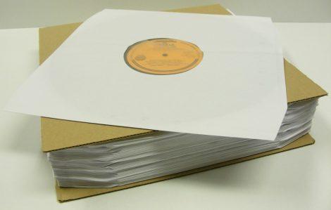 LP tasak antisztatikus fóliával, vágott sarkokkal, krém, 70gr. - 'B' minőség