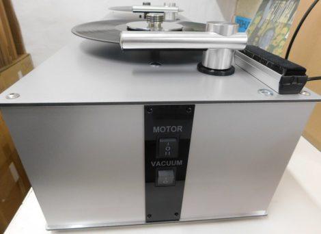 Gépi lemeztisztítás vákumos lemezmosó géppel (Pro-Ject VC-S)