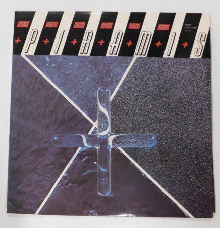 Piramis - Plusz LP + inzert (EX/VG+)