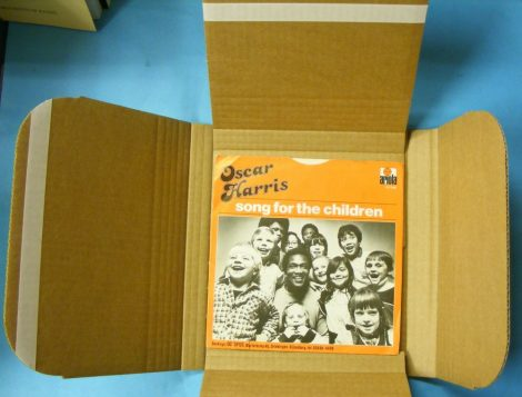 7inch / kislemez szállítókarton élvédővel 1-25 lemezhez